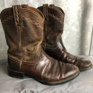 Ariat men's worn in broken in cowboy boots size8.5
